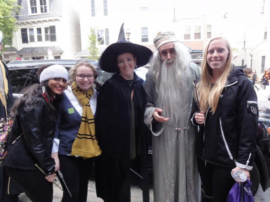 Visitors dressed like Professors McGonnagal and Dumbledor