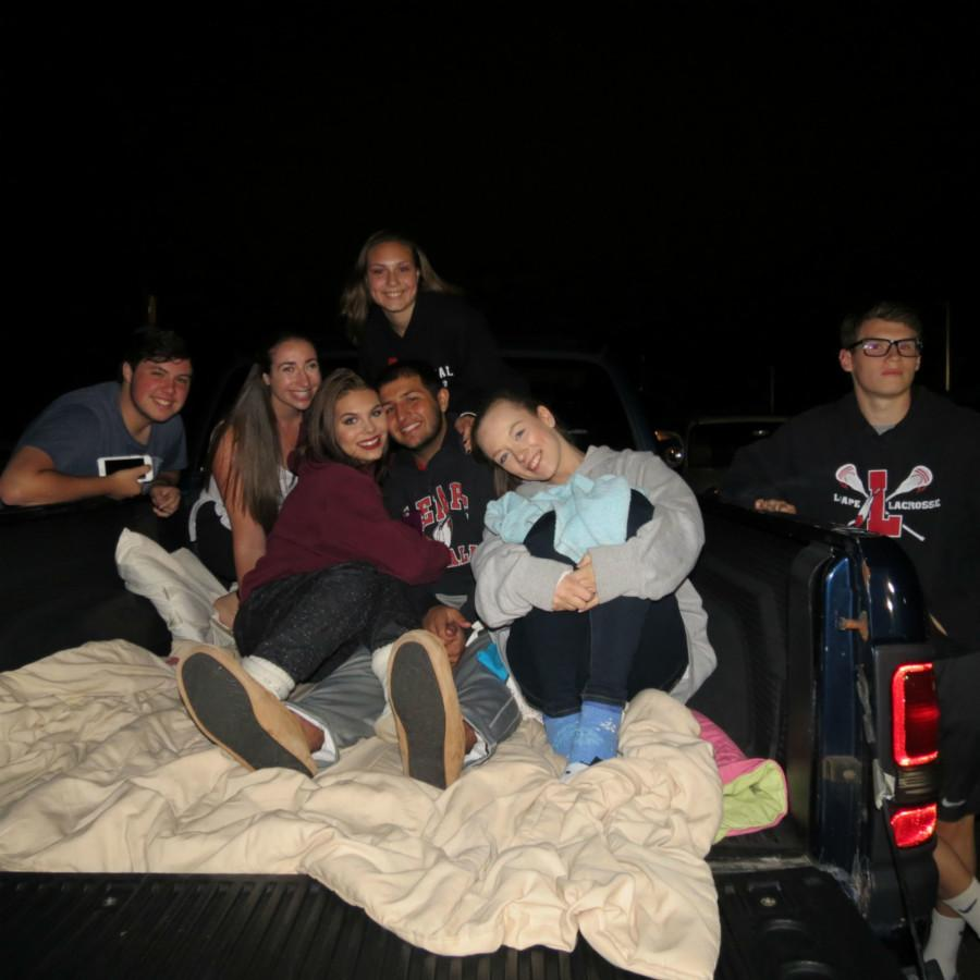 Tyler Murphy ('16), Julie Zeiberg ('16), Erika Johnson ('16), Taylor Gillman ('16), Kevin Darakhshan ('16), Jaclyn Figueroa ('16), and Dillon Gladwell ('16) all piled in the back of Taylor's car to watch the movie.